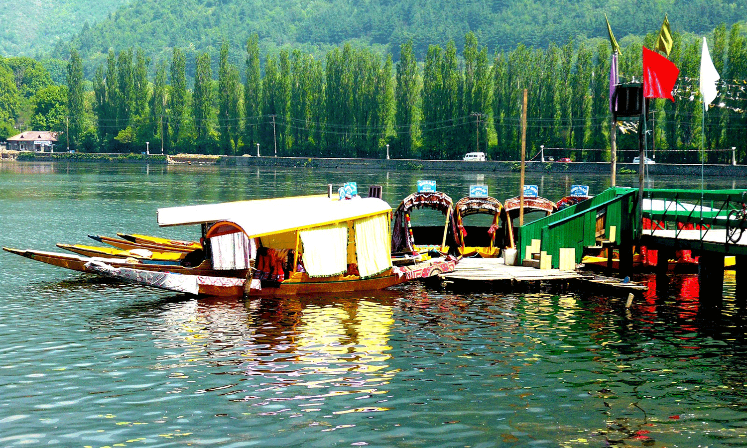 Kashmir Tour By Boat